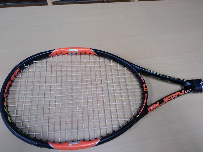 テニスラケット錦織圭モデル、BURN(バーン)シリーズを使った感想と評価